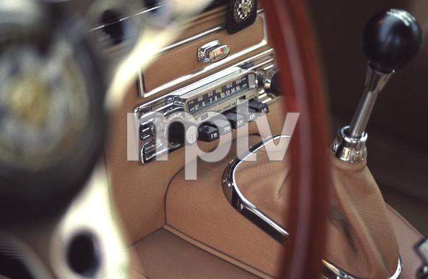 Cars1965 Jaguar 4.2 E-Type © 2005 Ron Avery - Image 3846_1508