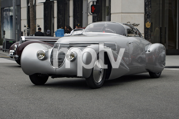 Cars1938 DuBonnet Xenia Hispano-Suiza H6C Saoutchik Coupe on Rodeo Drive in Beverly Hills 6-15-08 © 2008 Ron Avery - Image 3846_1751