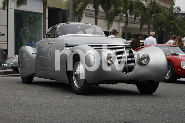 Cars1938 DuBonnet Xenia Hispano-Suiza H6C Saoutchik Coupe on Rodeo Drive in Beverly Hills 6-15-08 © 2008 Ron Avery - Image 3846_1757