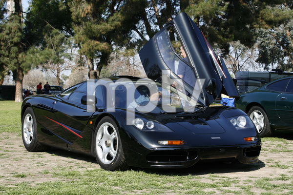 CarsJay Leno and his 1994 McLaren F1Woodley Park, CA / 03-08-09 © 2009 Ron Avery - Image 3846_1778