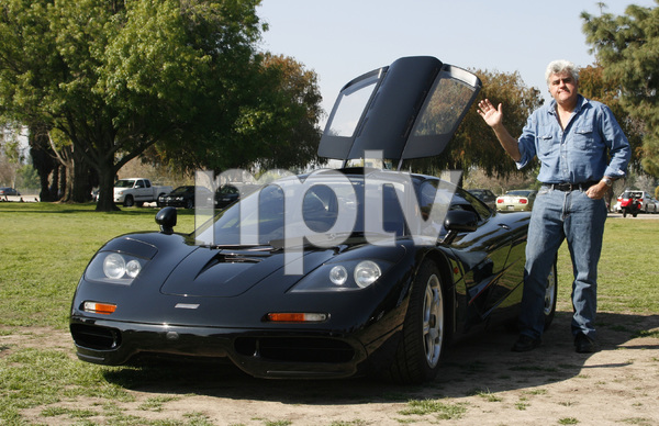 CarsJay Leno and his 1994 McLaren F1Woodley Park, CA / 03-08-09 © 2009 Ron Avery - Image 3846_1779
