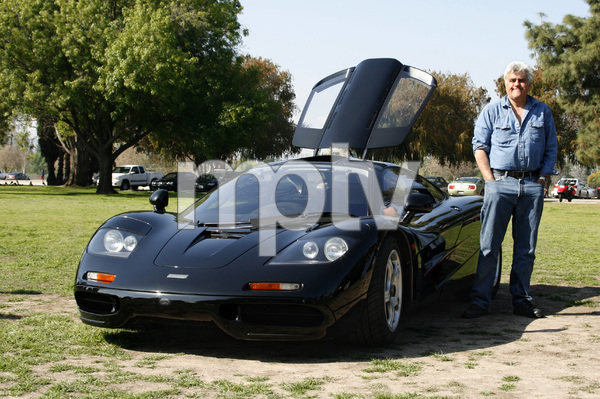 CarsJay Leno and his 1994 McLaren F1Woodley Park, CA / 03-08-09 © 2009 Ron Avery - Image 3846_1780