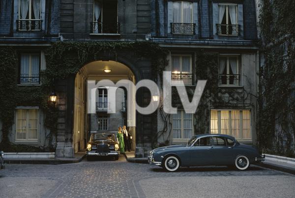 1960 Mercedes-Benz 220S sedan and 1960 Jaguar Mark II in Pariscirca 1960© 1978 Paul Hesse - Image 3846_1883
