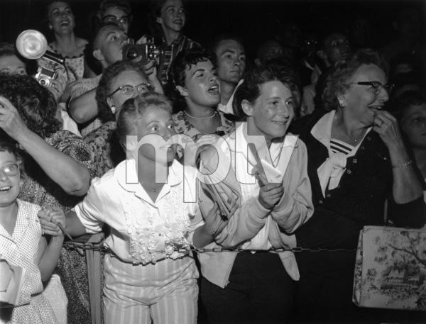 Crowds (Share Party)1959 © 1978 David Sutton - Image 3854_0796
