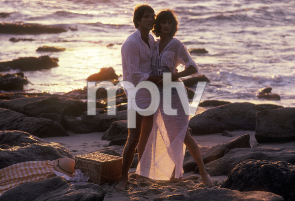 Couples - RomanticAt the BeachApril 1978 © 1978 Sid Avery - Image 3952_0087