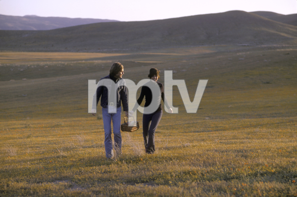 Couples - RomanticJohn Corbett, Angela CartwrightApril 1973 © 1978 Sid Avery - Image 3952_0248