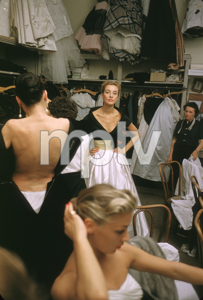 """Fashion""Backstage at Balmain circa 1955 © 2000 Mark Shaw - Image 3956_0879"
