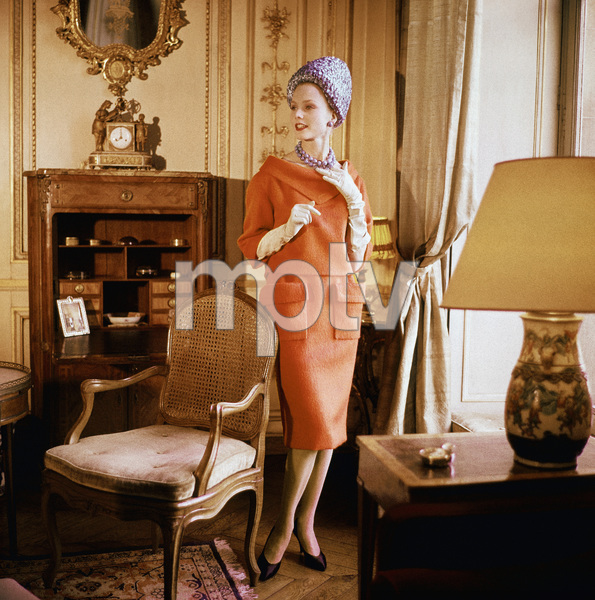 """Dior fashion model wearing the """"Kabylie"""" dress (Spring-Summer Haute Couture collection, Silhouette de demain line)1960© 2013 Mark Shaw - Image 3956_0999"""