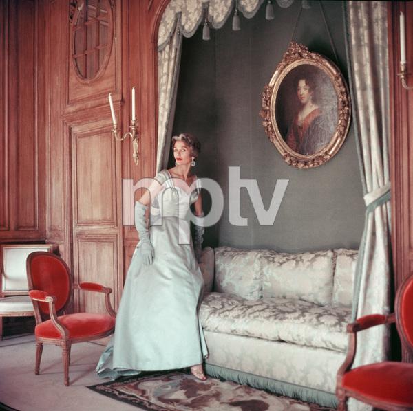 Jane Sprague wearing Jacques Fath1953 © 2008 Mark Shaw - Image 3956_1018