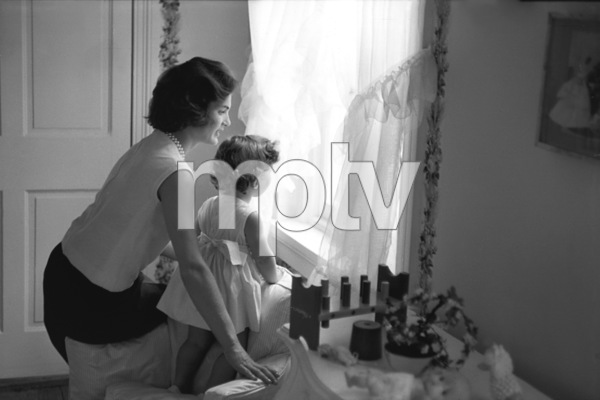 Jacqueline Kennedy and Caroline Kennedy at Georgetown 1959 © 2000 Mark Shaw - Image 4027_0052
