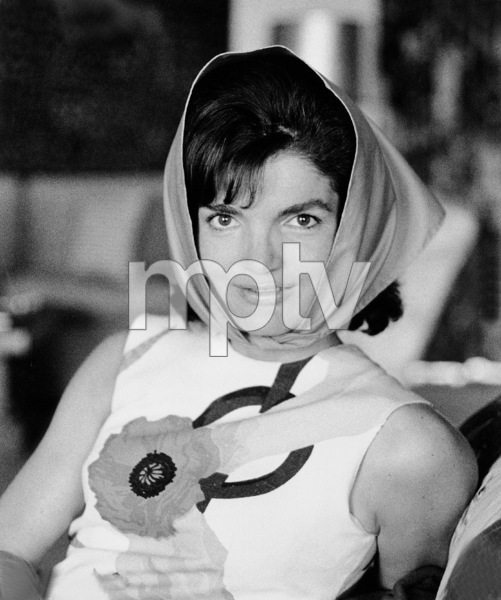 Jacqueline Kennedy at Palm Beach 1963 © 2000 Mark Shaw - Image 4027_0059