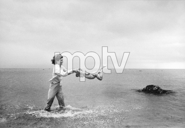 Jacqueline Kennedy and Caroline Kennedy at Hyannis Port 1959 © 2000 Mark Shaw - Image 4027_0072