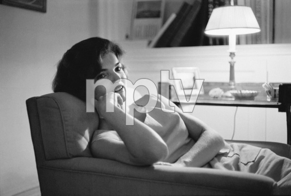 Jacqueline Kennedy at Georgetown 1959 © 2000 Mark Shaw - Image 4027_0090