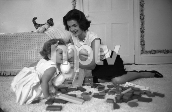 Jacqueline Kennedy and Caroline Kennedy at Georgetown1959 © 2000 Mark Shaw - Image 4027_0091