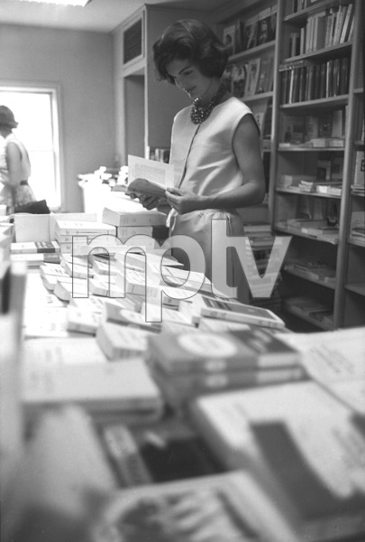 Jacqueline Kennedy at Georgetown 1959 © 2000 Mark Shaw - Image 4027_0111