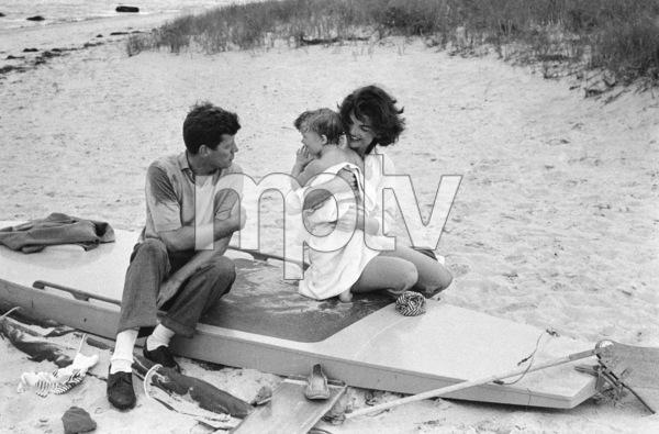 John F. Kennedy, Caroline Kennedy and Jacqueline Kennedy at Hyannis Port1959© 2012 Mark Shaw - Image 4027_0169