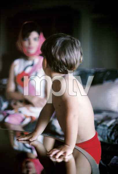Jacqueline Kennedy and John Kennedy Jr. in Palm Beach, Florida1963© 2012 Mark Shaw - Image 4027_0174