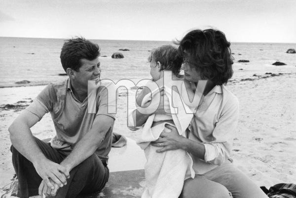 John F. Kennedy, Caroline Kennedy and Jacqueline Kennedy at Hyannis Port1959© 2012 Mark Shaw - Image 4027_0184