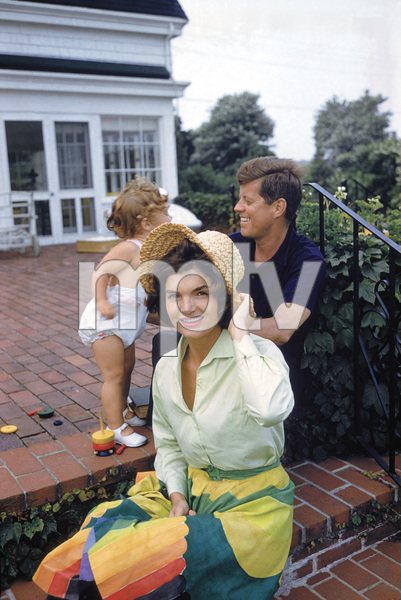 Caroline Kennedy, John F. Kennedy and Jacqueline Kennedy at Hyannis Port1959© 2012 Mark Shaw - Image 4027_0185