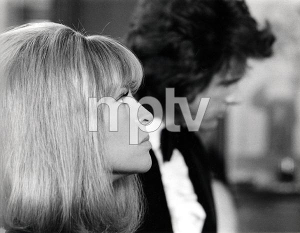 Julie Christie, Warren Beatty, SHAMPOO, Columbia, 1975, I.V. - Image 4139_0008