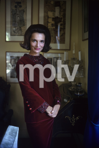 Lee Radziwill in St. Laurent fashion1962 © 2000 Mark Shaw - Image 4178_0020