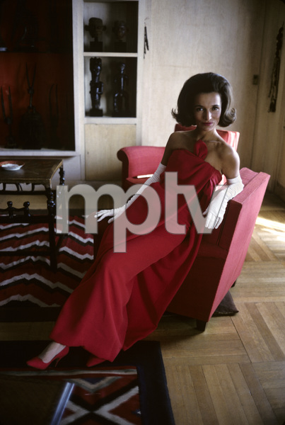 Lee Radziwill in a Lanvin red dress1962 © 2000 Mark Shaw - Image 4178_0034