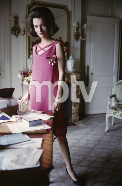 Lee Radziwill in Dior fashion1962 © 2000 Mark Shaw - Image 4178_0042