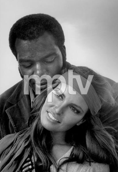 """100 Rifles""Raquel Welch, Jim Brown1969 20TH Century Fox © 1978 Gunther - Image 4377_0011"