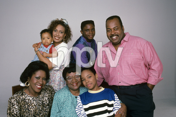 """Family Matters""Joseph Julius Wright, Telma Hopkins, JoMarie Payton, Rosetta LeNoire, Darius McCrary, Reginald VelJohnson, Kellie Shanygne Williams1989 © 1989 Mario Casilli - Image 4531_0002"