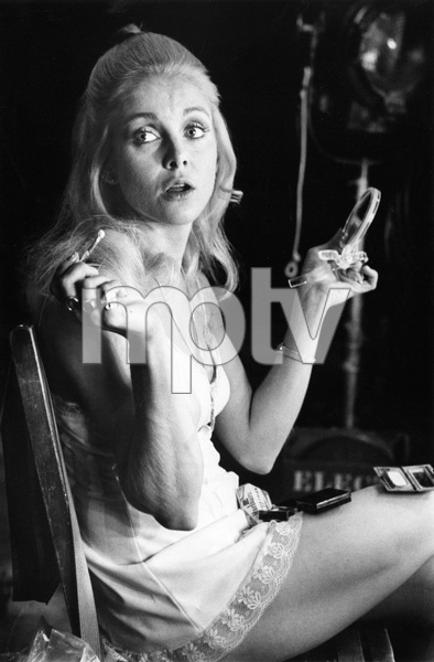 """Sue Lyonapplying make-up backstage for """"Love, American Style""""December 1973 - Image 4635_0004"""