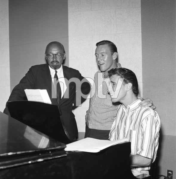 Ahmet Ertegun, Righteous Brothers (Bobby Hatfield, Bill Medley)circa 1965© 1978 Eric Skipsey - Image 4849_0028
