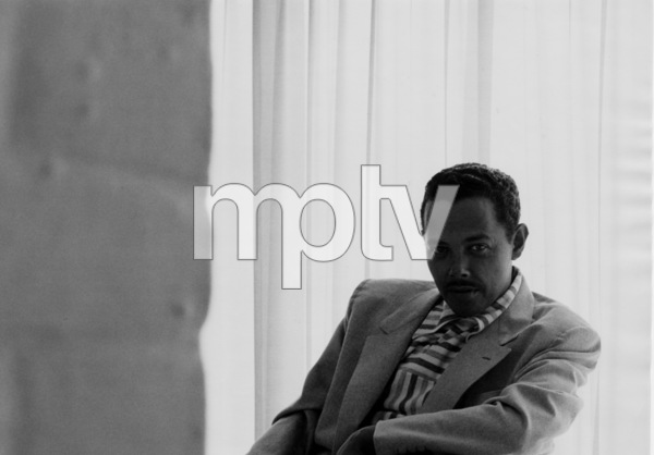 Billy Eckstine at home, 1950. © 1978 Bob Willoughby / MPTV - Image 4867_104
