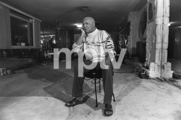 Redd Foxx at home1989© 1989 Gunther - Image 4901_0018