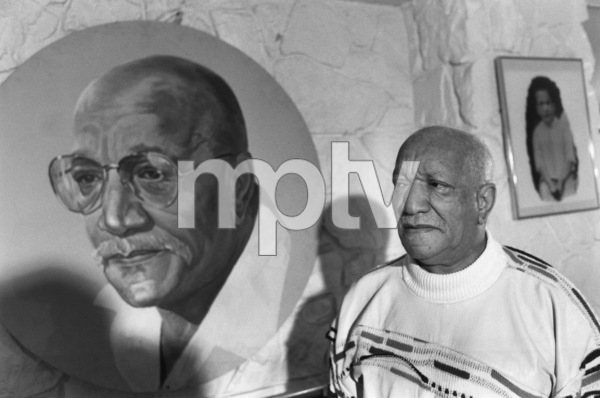 Redd Foxx at home1989© 1989 Gunther - Image 4901_0019