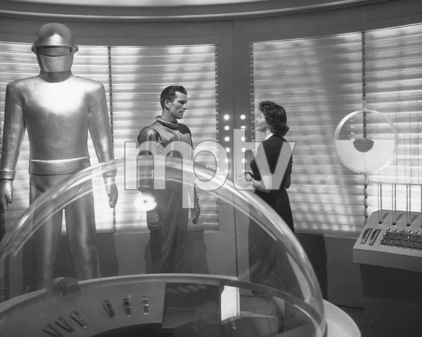 """The Day the Earth Stood Still""Michael Rennie, Hugh Marlowe, & Patricia Neal 1951 20th **I.V. - Image 5090_0010"