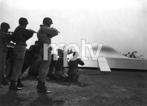 """""""THE DAY THE EARTH STOOD STILL""""  TCF, 1951, I.V. - Image 5090_0012"""