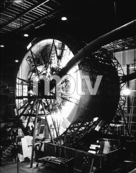 """""""2001: A Space Odyssey,""""Rotating set for ship interior.1968/MGM © 1978 John Jay - Image 5091_0190"""