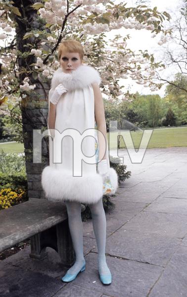 """A Dandy in Aspic""Mia Farrow1968** I.V. - Image 5168_0069"