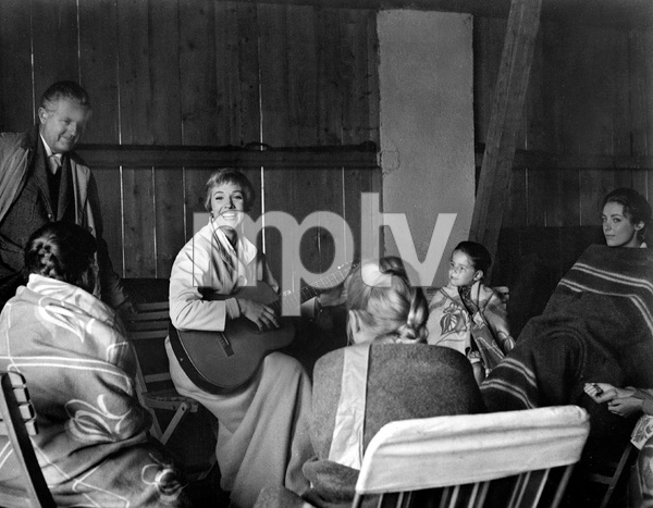 THE SOUND OF MUSIC, TWENTIETH CENTURY FOX 1965, ROBERT WISE (director), JULIE ANDREWS, KYM KARATH, CHARMAIN CARR, IV. rehearsal - Image 5370_0175
