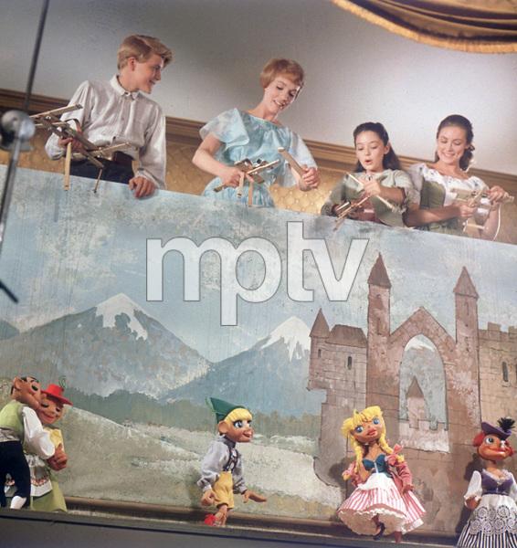 """The Sound of Music""Nicholas Hammond, Julie Andrews, Angela Cartwright, Charmian Carr1965 20th Century Fox - Image 5370_0192"