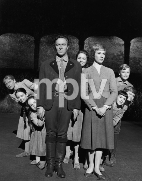 """The Sound of Music""Heather Menzies-Urich, Angela Cartwright, Kym Karath, Christopher Plummer, Charmian Carr, Julie Andrews, Nicholas Hammond, Duane Chase, Debbie Turner1965 20th Century Fox** I.V. - Image 5370_0211"