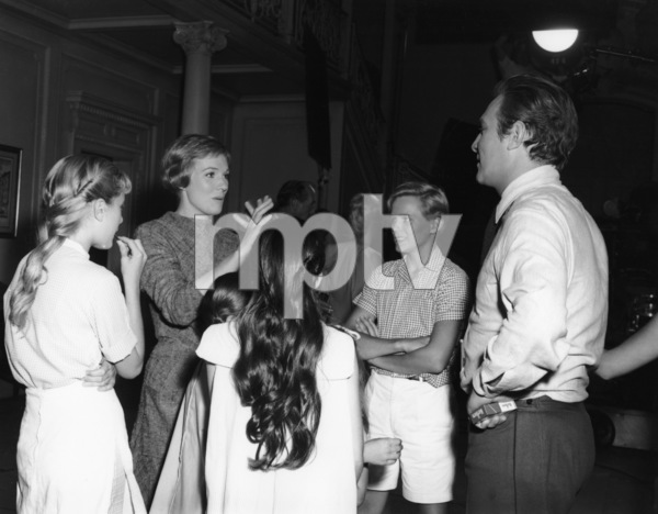 """The Sound of Music""Heather Menzies-Urich, Julie Andrews, Angela Cartwright, Nicholas Hammond, Christopher Plummer1965 20th Century Fox** I.V. - Image 5370_0215"