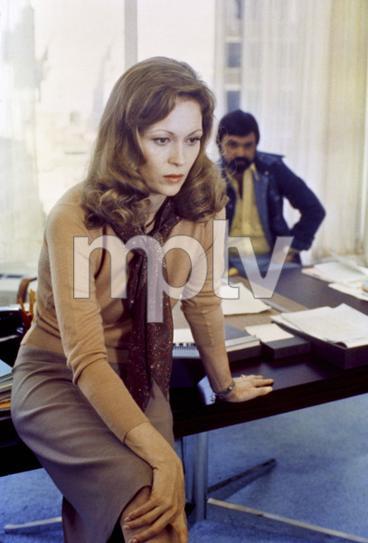 """Network""Faye Dunaway1976 MGM** I.V. - Image 5380_0119"