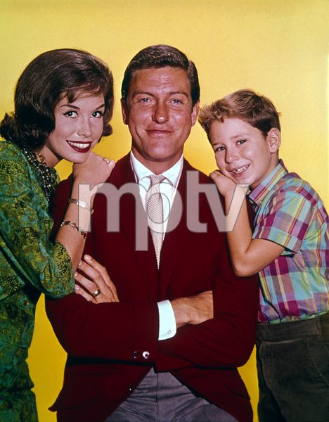 """The Dick Van Dyke Show""Larry Mathis, Dick Van Dyke, Mary Tyler Moorecirca 1963Photo by Gabi Rona - Image 5405_0045"