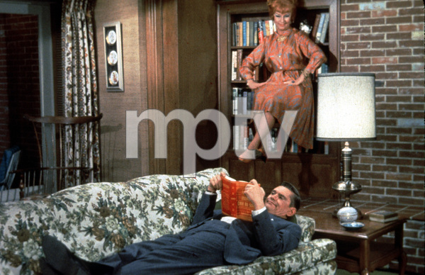 """""""Bewitched""""Dick York, Agnes Moorehead1968  - Image 5406_0010"""