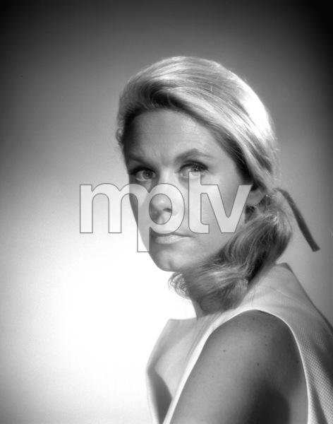 """Bewitched""Elizabeth Montgomeryc. 1966**I.V. - Image 5406_0080"