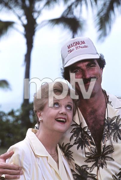 """Magnum, P.I."" (Episode: Novel Connection)Angela Lansbury, Tom Selleck1986 © 1986 Gene Trindl - Image 5412_0109"