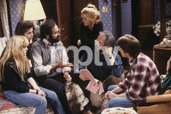 """Family Ties""Tina Yothers, Justine Bateman, Meredith Baxter, Michael Gross, Michael J. Fox1984 © 1984 Gene Trindl - Image 5419_0047"