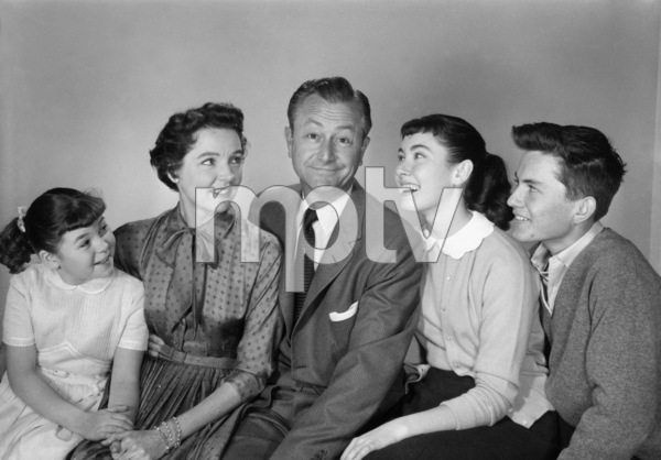 """Father Knows Best"" Lauren Chapin, Jane Wyatt, Robert Young, Elinor Donahue, Billy Gray circa 1955 © 1978 Gene Howard   - Image 5420_0014"