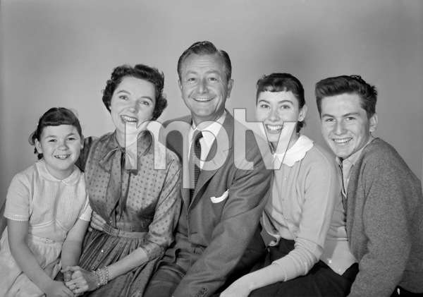 """Father Knows Best"" Lauren Chapin, Jane Wyatt, Robert Young, Elinor Donahue, Billy Gray circa 1955 © 1978 Gene Howard  - Image 5420_0016"